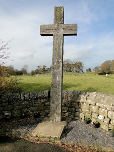 "alt=""large timber cross at heavenfield"""