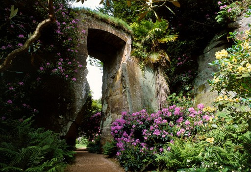 "alt=""gardens in Northumberland Belsay Hall"""