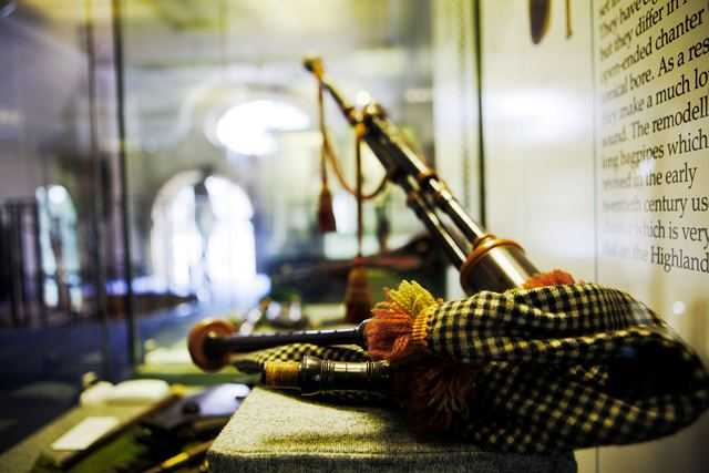 "alt=""northumbrian pipes in museum in Morpeth"""